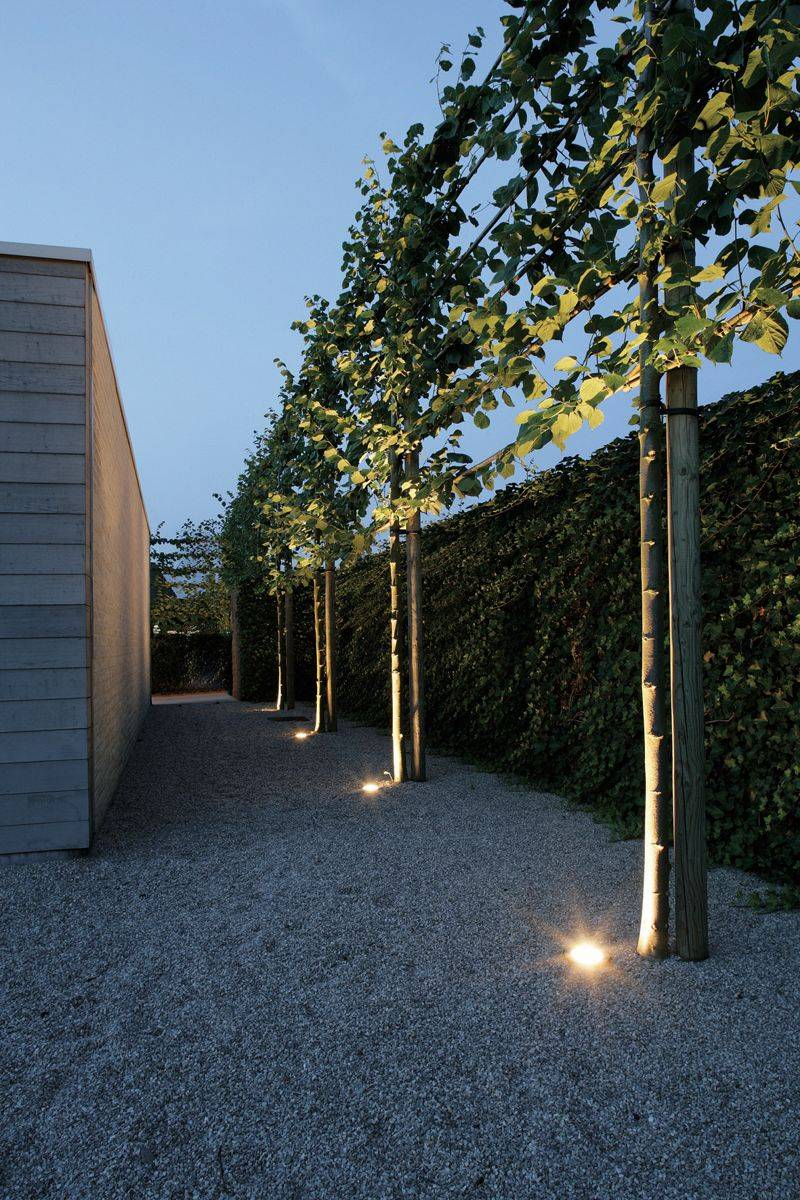 Tuinverlichting livingstone goes livingstoneweg 2 goes - Exterieur decoratie moderne tuin ...