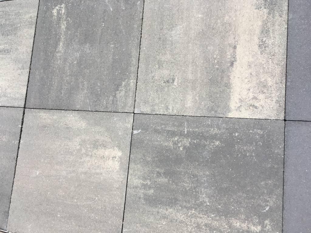 Betontegel Grijs 60x60.Beton Tuintegel 60x60 Geimpregneerd Grijs Zwart