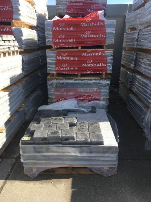 Richstone 14,7x14,7 € 25 pm2 livingstone Goes