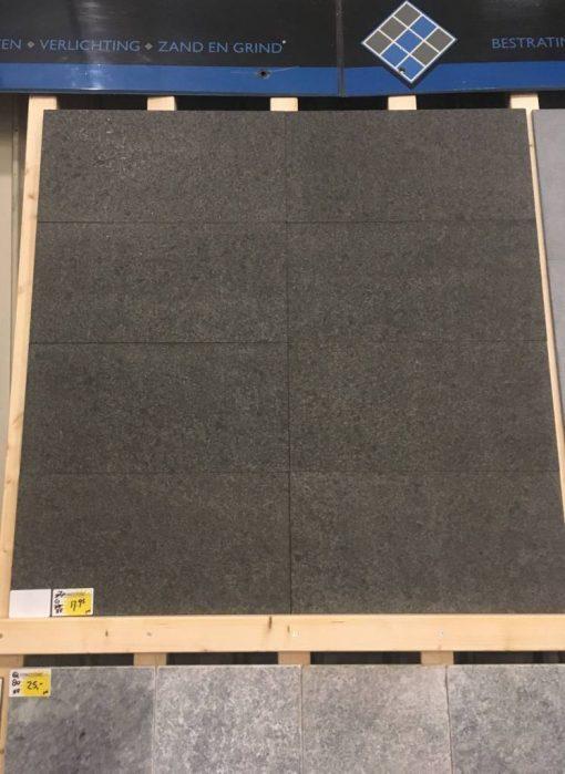 Binnen vloertegel - 60x30x1,5- natuursteen - graniet basalt G684 Art verkrijgbaar bij Livingstone Goes