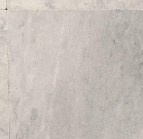 Turks natuursteen 60x60x1,5 art P verkrijgbaar bij Livingstone Goes