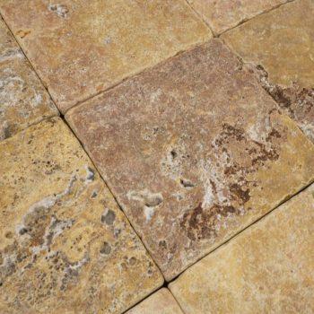 Natuursteen binnentegel - 15x15x1 - Travertin peach - Art nr 147