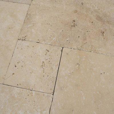 Natuursteen binnentegel - Wildverband - Travertin light brown creme - Art nr 184